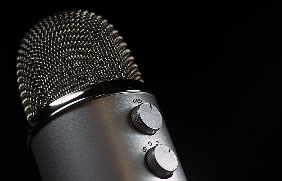 microphone-1172260_960_720